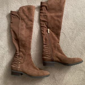 Beautiful Vince Camuto brown suede boots
